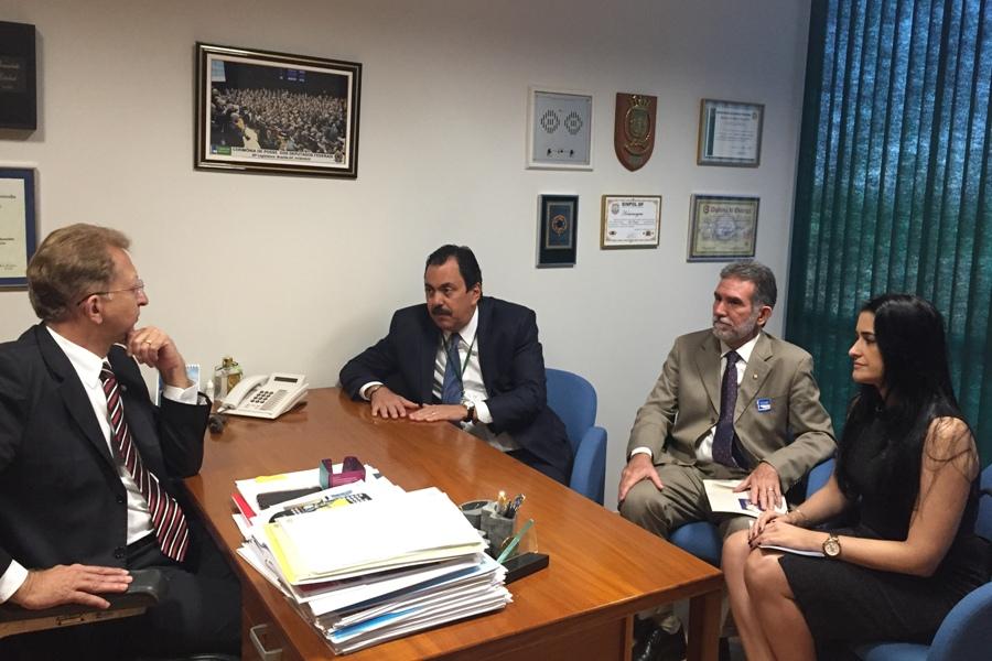 Dirigentes da AMB se reúnem com deputado federal João Campos, relator da reforma do CPP