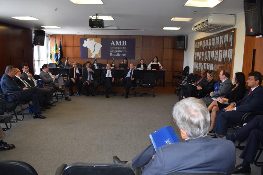 Reunião na sede da AMB, em Brasília