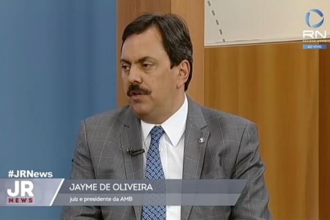 Jayme de Oliveira concede entrevista ao jornalista Heródoto Barbeiro