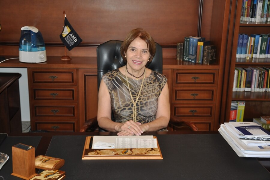 Maria Isabel da Silva - presidente interina