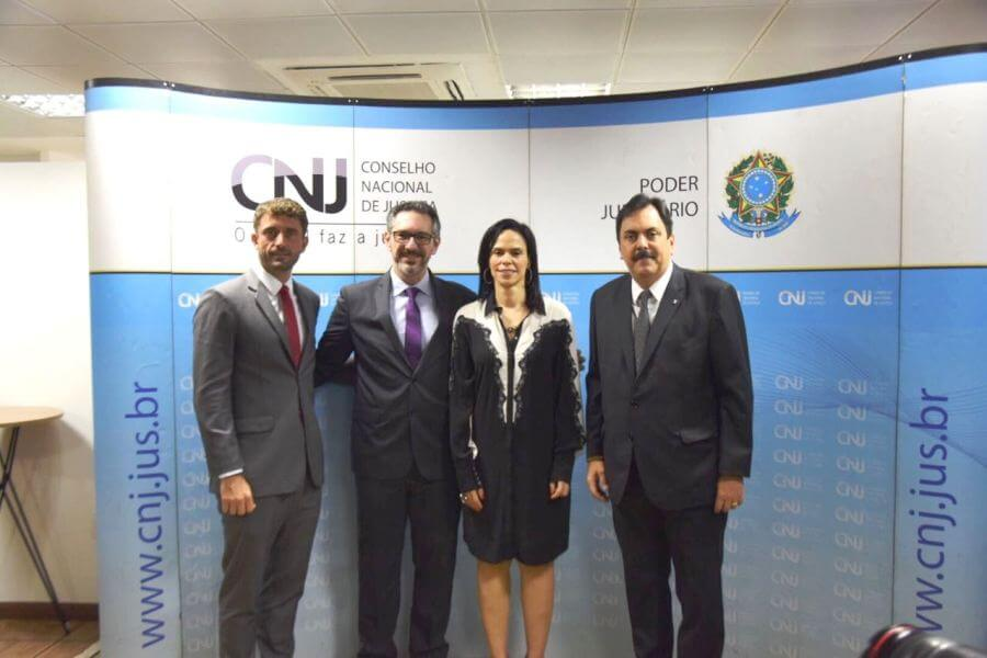 AMB prestigia posse do conselheiro do CNJ Luciano Frota