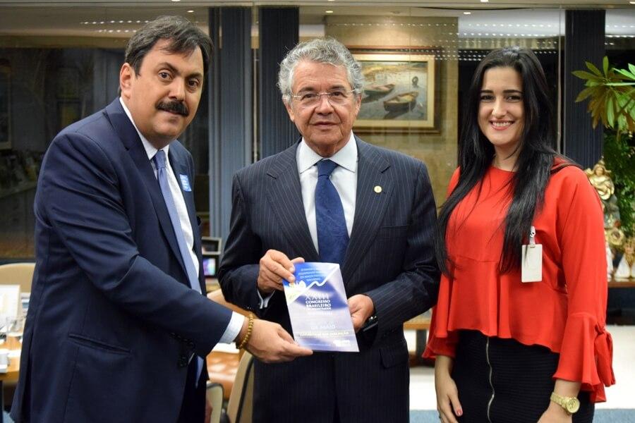 Presidente da AMB entrega programação do XXIII CBM ao ministro Marco Aurélio Mello